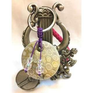 🚚 天然珊瑚玉平安扣吊飾 / 鑰匙圈