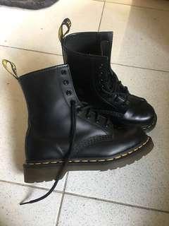 Dr. Martens 1460 Black Boots (no box)