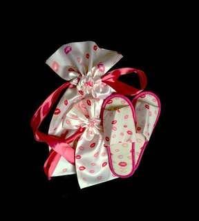 🇯🇵 Maison de Fleur 4Pc. Pouch & Slipper Gift Set frm Japan