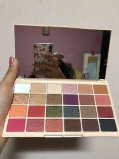 🔥INSTOCK🔥Makeup Revolution x Soph X Eyeshadow Palette
