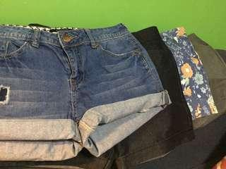 4 casual shorts as a bundle (Php 168)