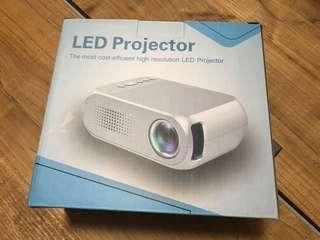 全新 1080p高清 LED 投影機
