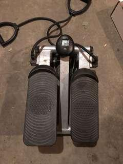 Indoor stepper with pedometer