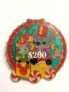 Disney Pin 迪士尼徽章襟章 Stitch 史迪仔 金仔 聖誕