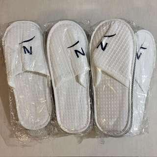 ASSORTED HOTEL SLIPPERS