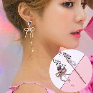 (Free pos 3 pairs & above) Korean design blue diamond crystal ribbon earrings
