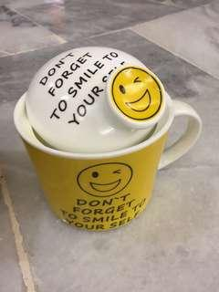 Cheerful Smiley Ceramic Mug (yellow)