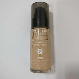 Revlon Colorstay Oily/Combination in 300 Golden Beige