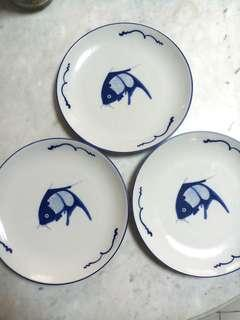 Blue fish plates