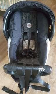 Britax Baby Car Seat and carrier *free stroller adaptor