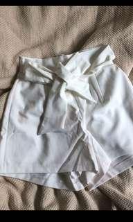 White tie up paper bag shorts