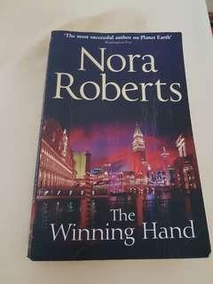 英文小說: Nora Roberts The winning hand