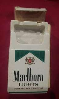 Ashtray kotak rokok marlboro