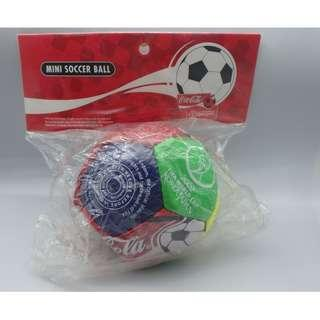 {HK-藏珍舖} 2002 FIFA WORLD CUP Coca Cota 可口可樂  MINI SOCCER BALL w/packing