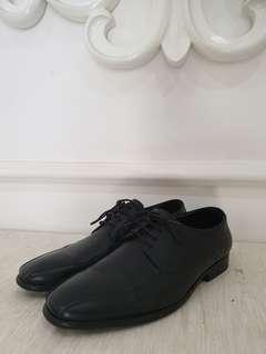 Sepatu hush puppies pantofel hitam