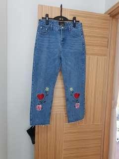 韓國新款刺繡型格牛仔褲 L size