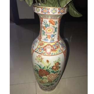 Decorative vase + 7 Pcs Artificial flowers