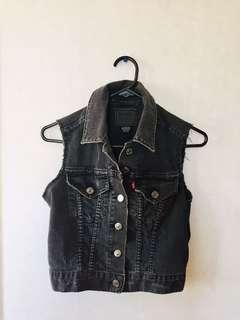 Vintage rare Levi's denim jacket size 6/8/10