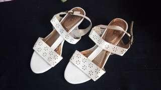 Lifestride white sandals