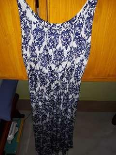Maxi dress fits to M-XL