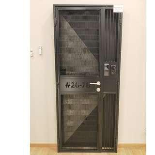 HDB Vertical Mesh Gate only at $1080/$1180 Call 96177025 Leon for more details