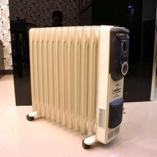 二手葉片式電暖器HELLER 嘉儀 KE-12TF(德國製造) 恆溫12葉片式電暖器 (門市更衣室專用,極新少用)