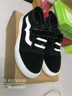 e59ef560050a25 🔥CLEARANCE🔥 Vans Kids Shoes Black Size 23 Unisex Kids Shoes