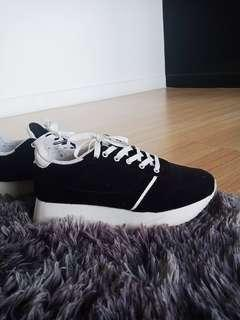 Promo A : Pull n bear sneakers