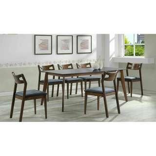 NEW GLASS TOP 8 SEATER DINING SET