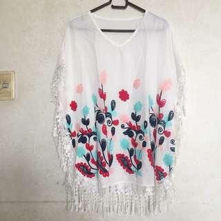 ♡ white poncho with embroidered floral details ♡
