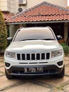 Jeep Compass 2,4L AT 2012 putih