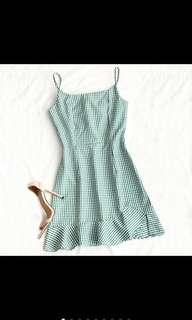 🚚 green ruffled checkered dress