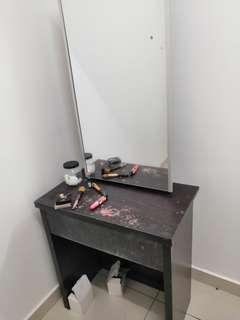 Dressing Table urgent