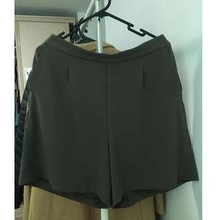 Uniqlo drape grey shorts (Size L/AU12)
