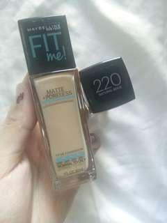 Maybelline fit me matte+poreless shade 220