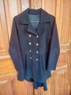 Coat hitam / jaket hitam