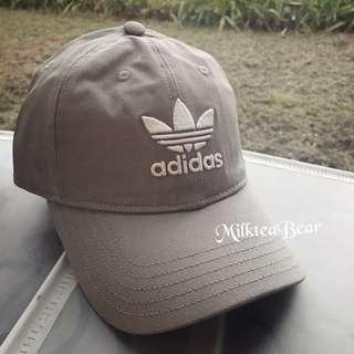 🇺🇸🇬🇧直送 Adidas 刺繡logo Cap Grey Black 現貨英美直送