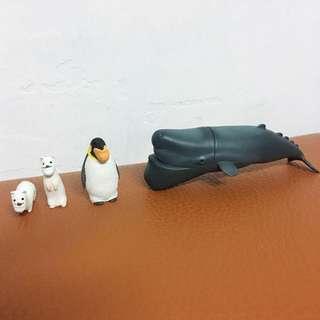 「熊貓之穴轉蛋/扭蛋」第二、三代厚道戽斗動物-抹香鯨*1,雪貂*4,企鵝*1