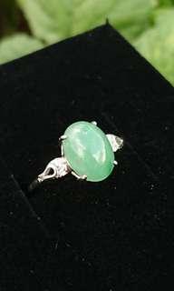 Myanmar Jade (Jadeite) Cabochon on 925 Silver Ring. 缅甸玉翡翠925银女戒。