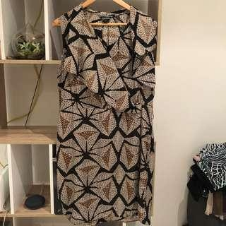 Basque printed dress size 14
