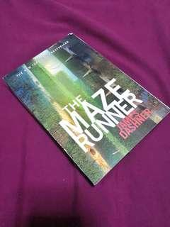 FREE SHIPPING! The Maze Runner by James Dashner