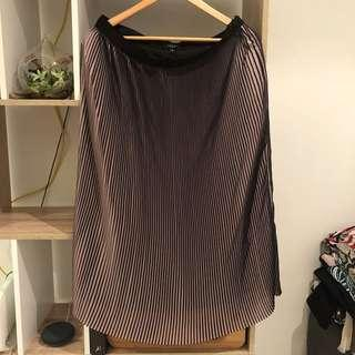 Basque pleated skirt size 14 brand new with tags