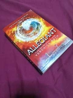 FREE SHIPPING! Allegiant by Veronica Roth