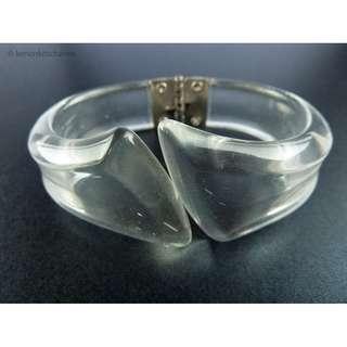 Vintage 1960s Clear Lucite Clamper Bracelet, br134