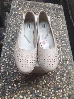 Sepatu flat sepatu slipon bata