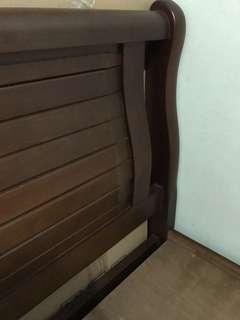 🛏 Bed Frame/Dunlopillo Mattress
