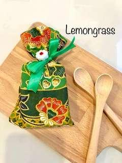 Nutrient-rich Lemongrass Handmade Soap