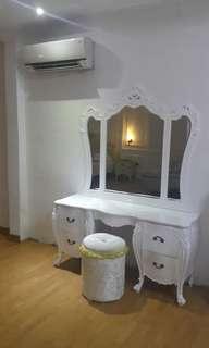 Meja rias dan lemari baju JEPARA