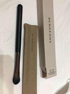 Burberry Medium eyeshadow brush no 1/
