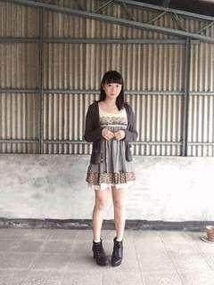🚚 專櫃購入betty's 日系可愛碎花格紋鄉村風布蕾絲拼接假兩件洋裝